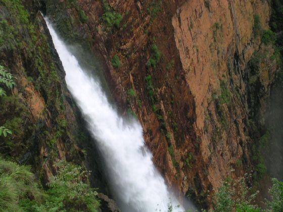 马坝人遗址、必背瑶寨、大峡谷、曹溪温泉、南水湖 三日游