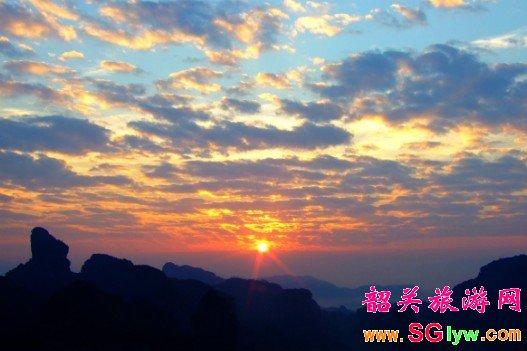 丹霞山、南华寺 纯玩两日游 日出团